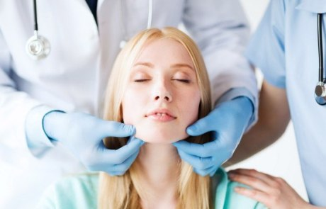 photodune-5497991-plastic-surgeon-or-doctor-with-patient-m-555x370